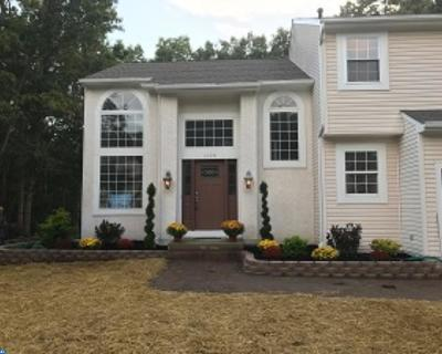 Single Family Home ACTIVE: 1628 Whispering Woods Drive