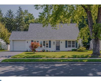 Levittown Single Family Home ACTIVE: 44 Kenwood Dr N