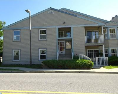 Cinnaminson Condo/Townhouse ACTIVE: 105 Sweetwater Drive