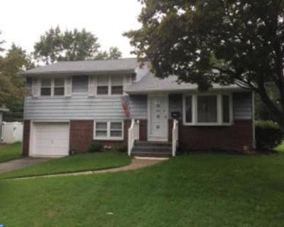 Woodbury Heights Single Family Home ACTIVE: 771 Chestnut Avenue
