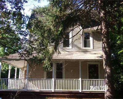 Chesilhurst Single Family Home ACTIVE: 1 Washington Avenue