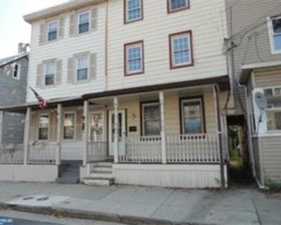 Mount Holly Single Family Home ACTIVE: 31 Pine Street