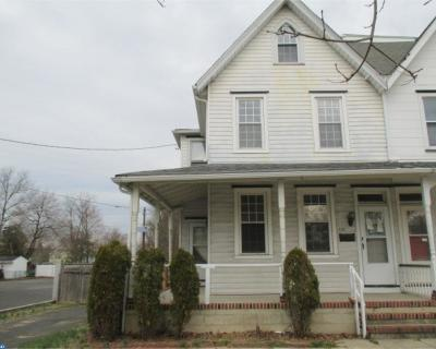 Palmyra Single Family Home ACTIVE: 121 E 5th Street