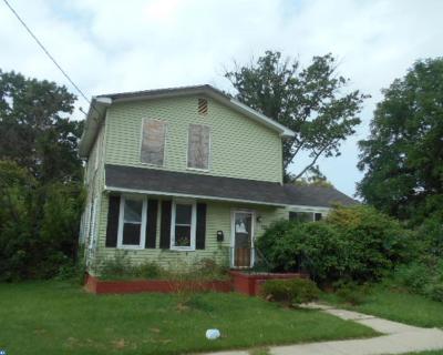Delanco Single Family Home ACTIVE: 722 Laurel Street