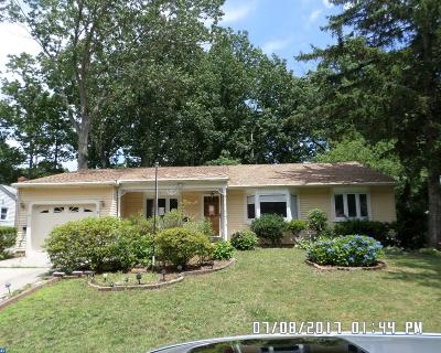 Turnersville Single Family Home ACTIVE: 715 Jefferson Drive