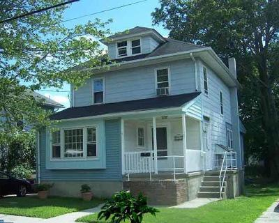 Woodbury Multi Family Home ACTIVE: 125 Crescent Avenue #A & B