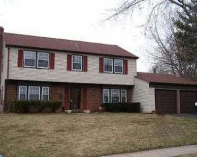 Willingboro Single Family Home ACTIVE: 130 Northampton Drive