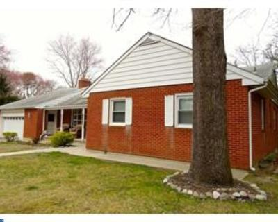 Single Family Home ACTIVE: 855 Mail Avenue