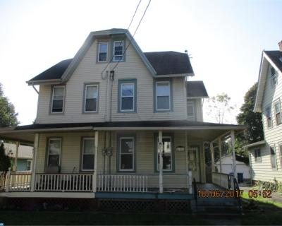 Delanco Single Family Home ACTIVE: 723 Chestnut Street