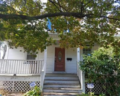Delanco Single Family Home ACTIVE: 313 Oakford Avenue