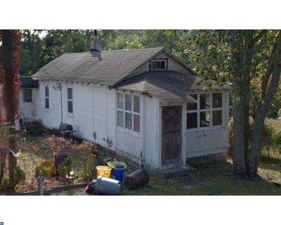 Clementon Single Family Home ACTIVE: 19 Chestnut Lane