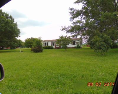 Logan Township Single Family Home ACTIVE: 871 Paulsboro Road