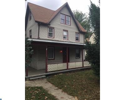 Single Family Home ACTIVE: 52 S Bridgeboro Street