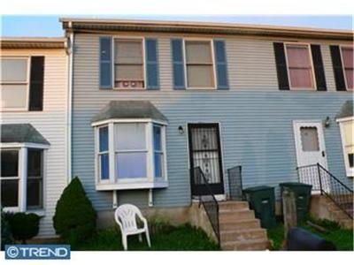 Newark Rental ACTIVE: 16 Ashkirk Place