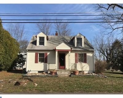 Burlington Township Single Family Home ACTIVE: 135 Columbus Jobstown Road