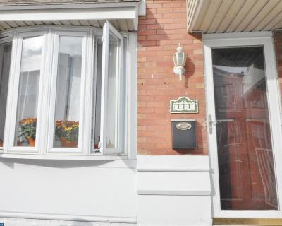 Condo/Townhouse ACTIVE: 111 Roseberry Street