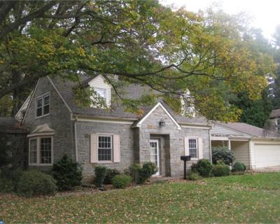 West Chester Single Family Home ACTIVE: 944 Hill Drive