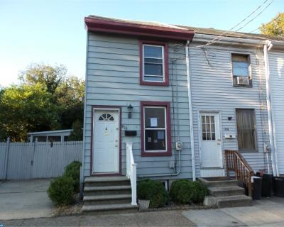 Gloucester City Condo/Townhouse ACTIVE: 818 Little Somerset Street