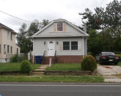 Moorestown Single Family Home ACTIVE: 21 New Albany Road