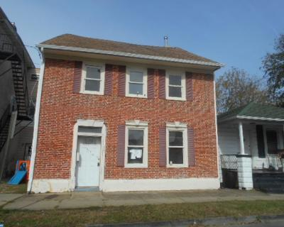 Single Family Home ACTIVE: 27 Church Street