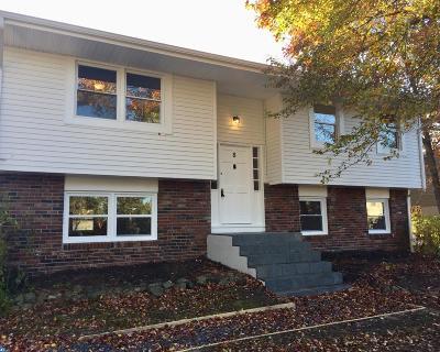 Single Family Home ACTIVE: 8 Cherokee Drive