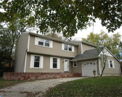 Single Family Home ACTIVE: 95 Claymont Court
