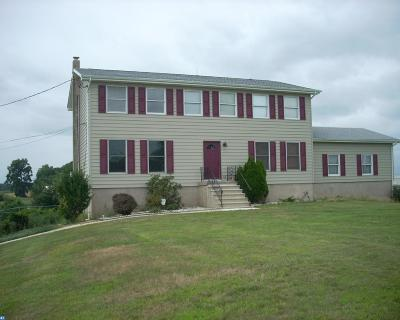 Bordentown Single Family Home ACTIVE: 757 Mansfield Rd W