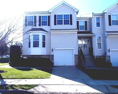 Condo/Townhouse ACTIVE: 339 Huntington Drive
