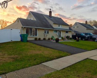 Single Family Home ACTIVE: 5 Hawthorne Lane