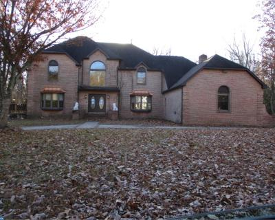 Voorhees Single Family Home ACTIVE: 2 Tanglewood Drive