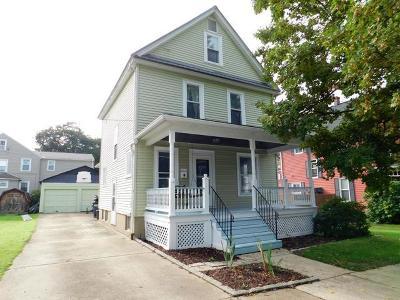 Warren Single Family Home For Sale: 112 Pioneer Street