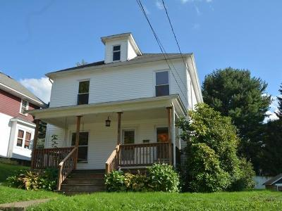 Warren Single Family Home For Sale: 208 Dartmouth Street