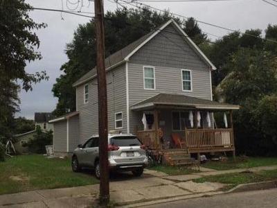 Warren Single Family Home For Sale: 117 Oak Street