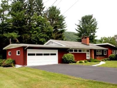 Warren Single Family Home For Sale: 8 Woodcrest Drive