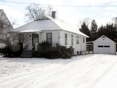 Warren Single Family Home For Sale: 114 Quaker Hill Road