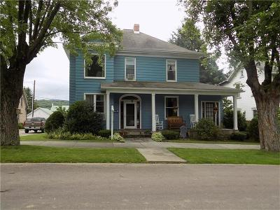 Meyersdale Boro Single Family Home For Sale: 212 Broadway St