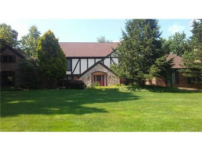 Murrysville Single Family Home For Sale: 3112 Deerfield Ct