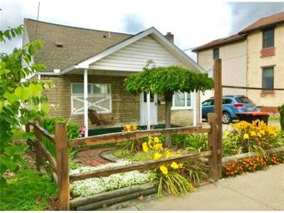 Latrobe Single Family Home For Sale: 1615 Jefferson St