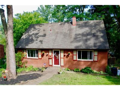 Forest Hills Boro Single Family Home For Sale: 950 Braddock Rd