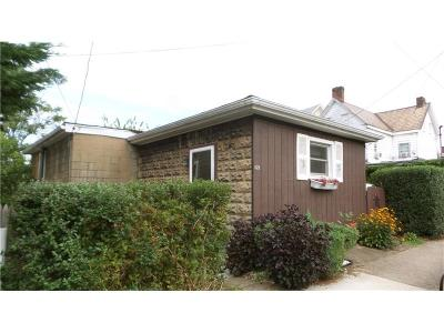 Jeannette Single Family Home For Sale: 121 N 7th St
