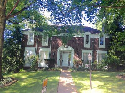 Forest Hills Boro Single Family Home For Sale: 11 Patrice Court