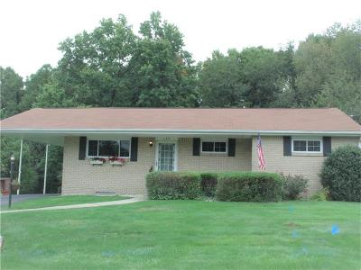 Murrysville Single Family Home For Sale: 129 Surrey Dr