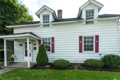 Delmont Single Family Home For Sale: 164 W Pittsburgh Street