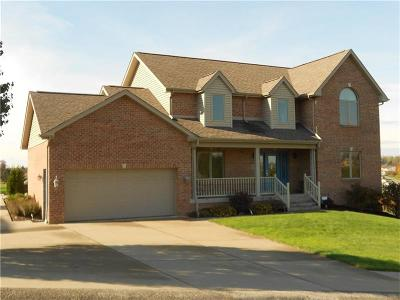 North Huntingdon Single Family Home For Sale: 482 Oakcrest Dr.