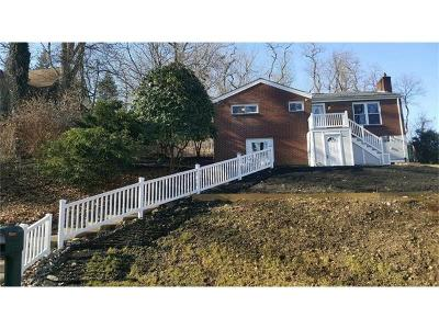 Forest Hills Boro Single Family Home For Sale: 27 Bryn Mawr Rd