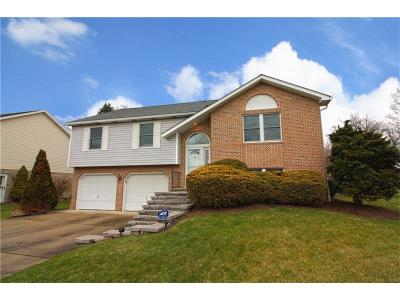 Hempfield Twp - Wml PA Single Family Home Sold: $215,000