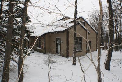 Hidden Valley Townhouse For Sale: 1466 Gebhart Way