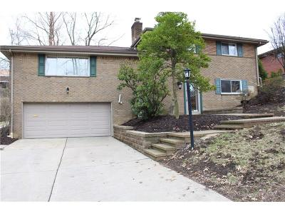 Forest Hills Boro Single Family Home For Sale: 383 Barclay Avenue