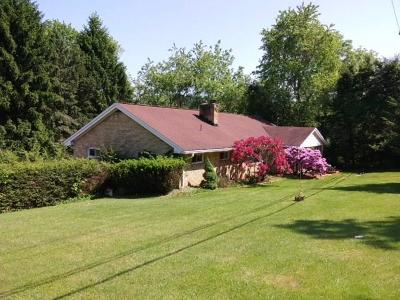 Greensburg, Hempfield Twp - Wml Single Family Home For Sale: 884 Georges Station Road