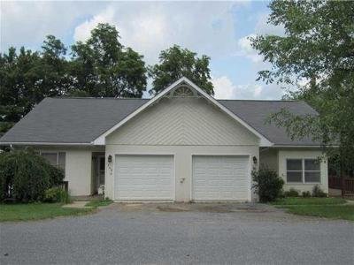 Somerset Boro Single Family Home For Sale: 149 Marker Drive #2